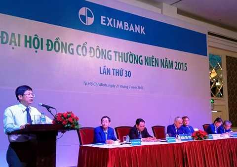 Ông Nguyễn Văn Dũng - Cục trưởng Cục Thanh tra, Giám sát Ngân hàng Nhà nước, phát biểu trong cuộc họp