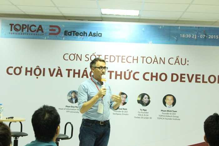 Mike Michalec - Founder EdTechAsia, người đồng sáng lập và giám đốc điều hành của EdTech châu Á chia sẻ với các bạn trẻ