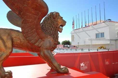 Biểu tượng Sư tử vàng của liên hoan phim Venezia.