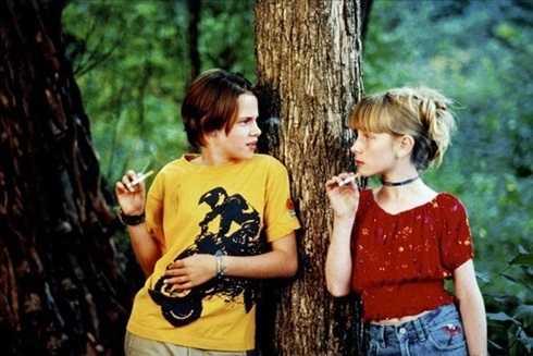 Năm 1999 cô tham gia bộ phim điện ảnh đầu tiên 'Mục tiêu an toàn' với vai diễn một cô bé cá tính.