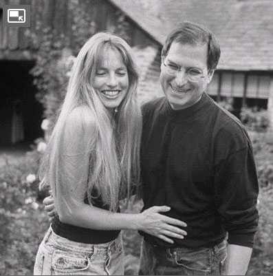Hình ảnh vợ chồng Jobs thời còn trẻ