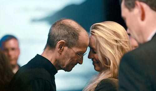 Vợ chồng Jobs hạnh phúc khi Steve còn sống