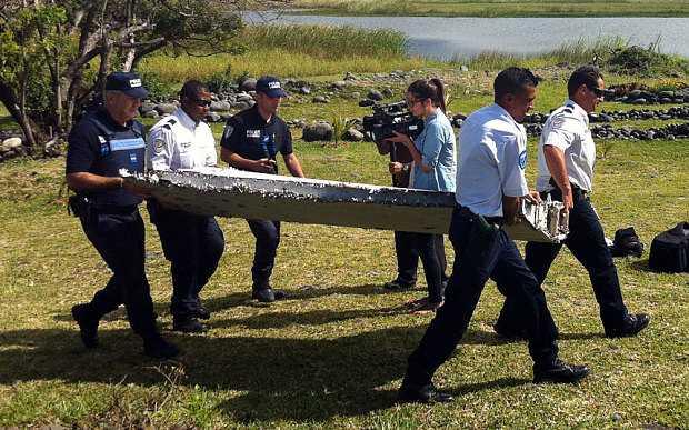 Mảnh vỡ máy bay được tìm thấy trên đảo La Reunion