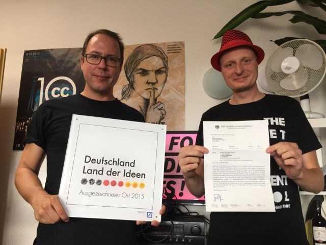 Hai nhà báo Andre Meister và Markus Beckedahl