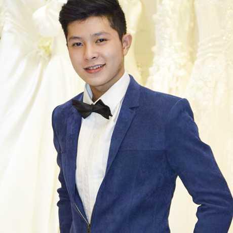 Hồ Thanh Phong sở hữu ngoại hình thư sinh.