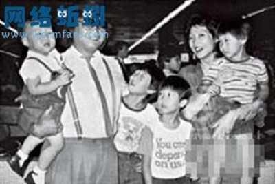 Hồng Kim Bảo và vợ đầu người Hàn Quốc.