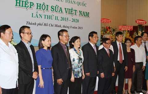 Ban chấp hành khóa II (nhiệm kỳ 2015-2020) của Hiệp hội Sữa Việt Nam ra mắt Đại hội