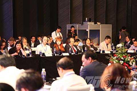 Sự kiện có sự tham dự của Cính phủ, bộ ngành trung ương, các địa phương cùng hơn 60 lãnh đạo đến từ các tổ chức, định chế tài chính trên thế giới.