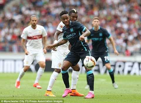Sterling chơi khá thành công trong chuyến du đấu trước mùa giải mới, trong đó có cú đúp ở Việt Nam