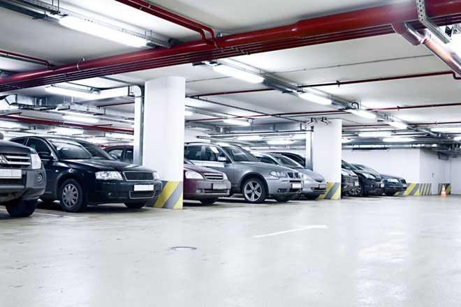 Nhiều chỗ đỗ xe tại Hà Nội được bán với giá
