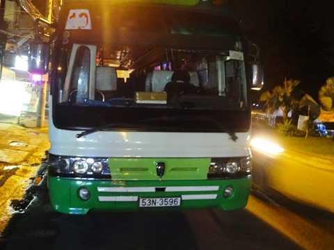 Tài xế xe buýt bỏ trốn khỏi hiện trường