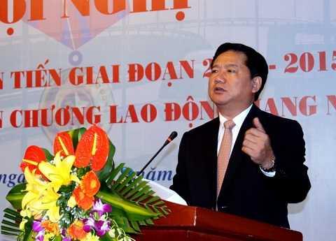 Bộ trưởng Đinh La Thăng phát biểu tại Hội nghị điển hình tiên tiến của Tổng cục Đường bộ VN