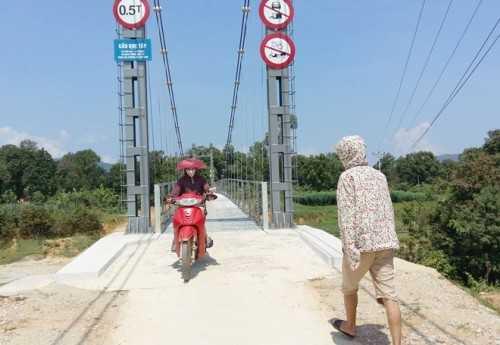 Cầu treo Khe Tây (Ảnh: VNE)
