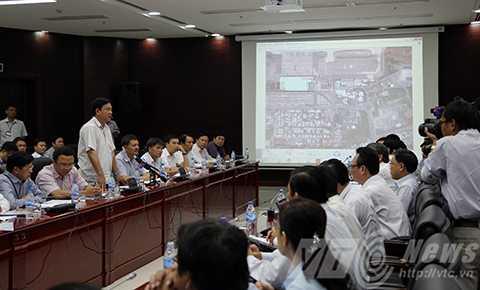 Đoàn công tác của Bộ GTVT do Bộ trưởng Đinh La Thăng dẫn đầu đã có buổi làm việc với UBND TP Đà Nẵng liên quan đến công tác triển khai Dự án đầu tư, xây dựng Nhà ga quốc tế Sân bay quốc tế Đà Nẵng.