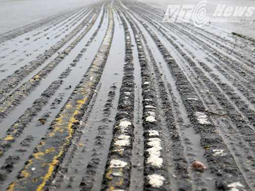 Quốc lộ 5 xuất hiện 'con rắn, con lươn' sau thời gian sửa chữa (đoạn qua địa phận huyện Kim Thành, Hải Dương) - Ảnh MK