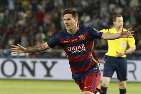 Messi lập cú đúp vào lưới Sevilla