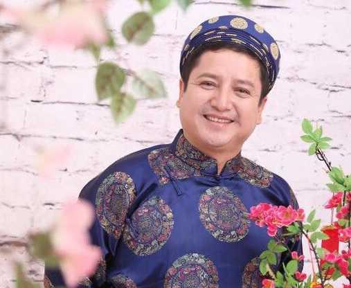 Nghệ sĩ ưu tú Chí Trung tuy giữ chức giám đốc Nhà hát   tuổi trẻ nhưng mức lương cũng không cao hơn nhiều so với mặt bằng chung   của công nhân viên chức. Danh hàitiết lộ, trung bình những năm trước   mức thưởng Tết của anh chỉ là 3-4 triệu đồng.