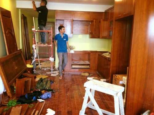 Các công nhân đang nhanh tay hoàn thiện để vợ chồng Tự Long dọn về ở vào cuối tháng này.