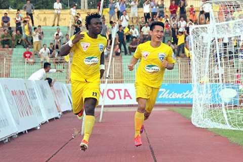 FLC Thanh Hóa thưởng cầu thủ 600 triệu đồng sau trận thắng Than Quảng Ninh