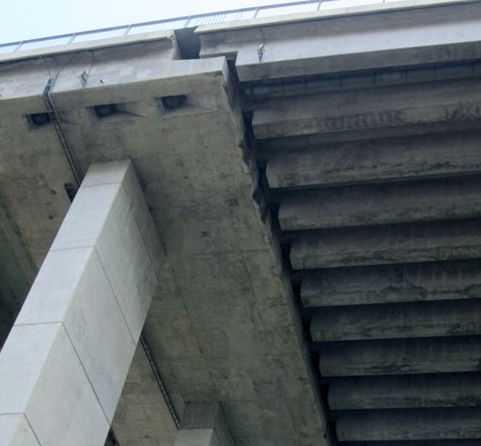 Đây là khe hở, co giãn cho phép của cầu Phú Mỹ, không bị nứt, dễ sập như tin đồn