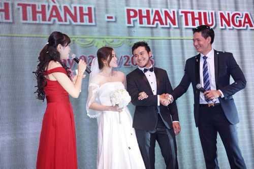 Bình Minh đảm nhiệm vai trò MC cho đám cưới của chú rể đại gia.