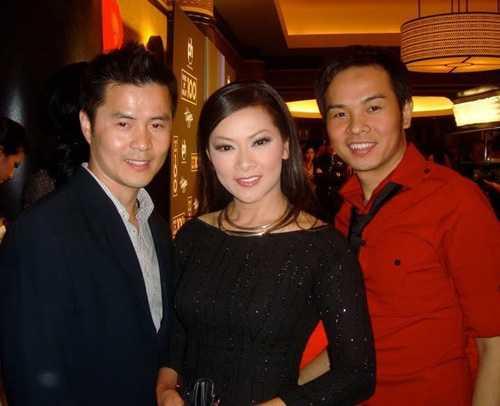 Chồng Như Quỳnh thường xuyên xuất hiện tại các sự kiện cùng vợ.