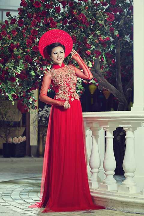Nữ diễn viên Vân Trang sinh ra và lớn lên tại Tiền Giang trong một gia đình không ai theo nghệ thuật, cô bắt đầu chuyển lên thành phố Hồ Chí Minh sinh sống từ năm lớp 8 và sau khi tốt nghiệp THPT, cô đã thi vào trường Sân khấu - Điện ảnh.