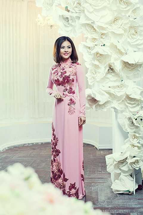 Ngoài công việc diễn viên,Vân Trang cũng lấn sân sang hoạt động kinh doanh. Hiện cô đang làm chủ của một tiệm spa lớn tại TP.HCM.