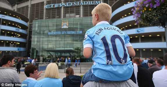 CĐV Man City tới sân