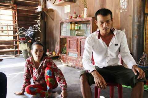 Anh Lê Tiến Phú - người bị trưởng Công an xã Ia Trok xịt hơi cay - kể lại sự việc.