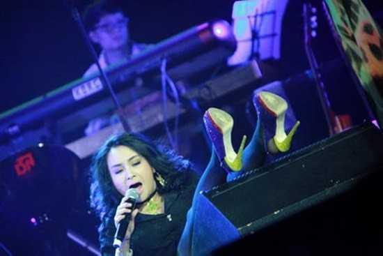 """""""Nữ hoàng nhạc nhẹ"""" Thanh Lam cũng từng là nạn nhân của một màn vồ ếch nhớ đời trong sự nghiệp của mình."""