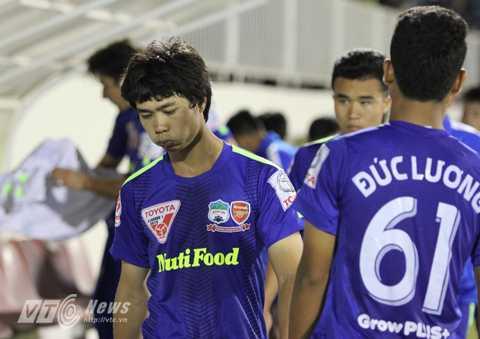 Công Phượng không nằm trong top 10 cầu thủ 'cày' nhiều nhất V-League nhưng là một trong những cầu thủ thi đấu nhiều nhất bóng đá Việt Nam thời gian qua.