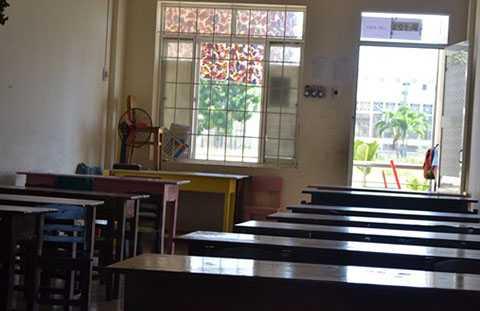 Phòng học chật chội, không đảm bảo khiến phụ huynh bức xúc
