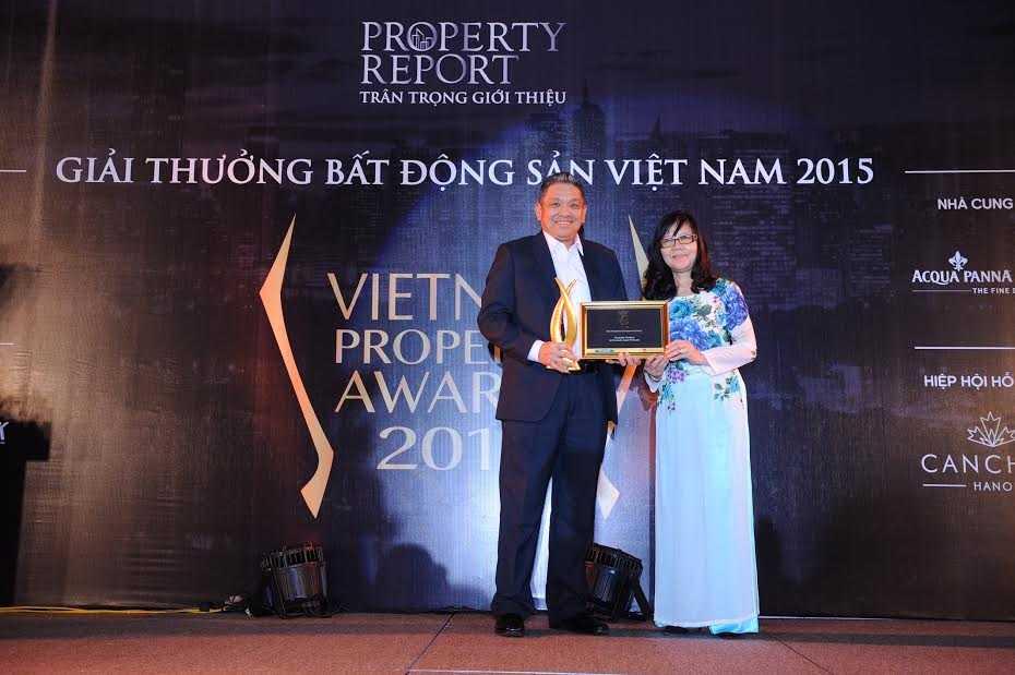 Ông Cheong Ho Kuan, Tổng Giám đốc Gamuda Land Việt Nam nhận giải thưởng Gamuda Gardens - Khu đô thị tốt nhất (Hà Nội)
