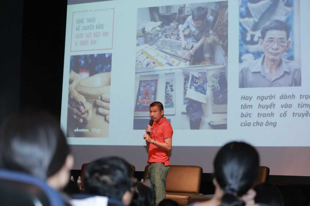 Họa sĩ Lê Thiết Cương trình bày tại hội thảo