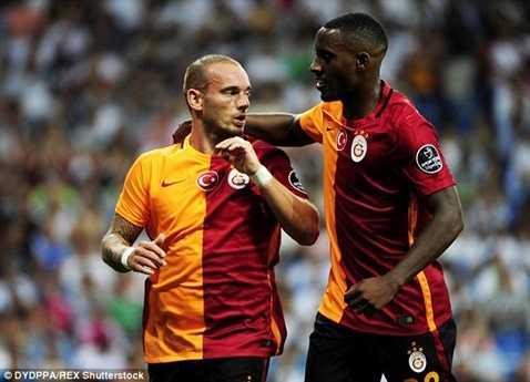 Không đến Man Utd, Sneijder bây giờ phải hài lòng với Galatasaray