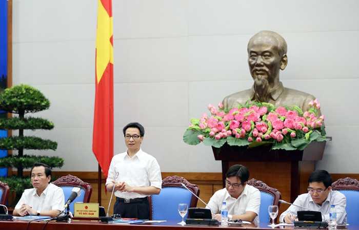 Phó Thủ tướng Vũ Đức Đam gặp mặt 98 thủ khoa xuất sắc trên địa bàn TP Hà Nội
