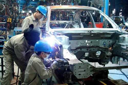 Theo ông Ichiro ABE, Toyota đang lưỡng lự hoặc sản xuất ô tô tại Thái Lan bán sang Việt Nam hoặc ở lại duy trì sản xuất khi thuế nhập khẩu ô tô giảm.