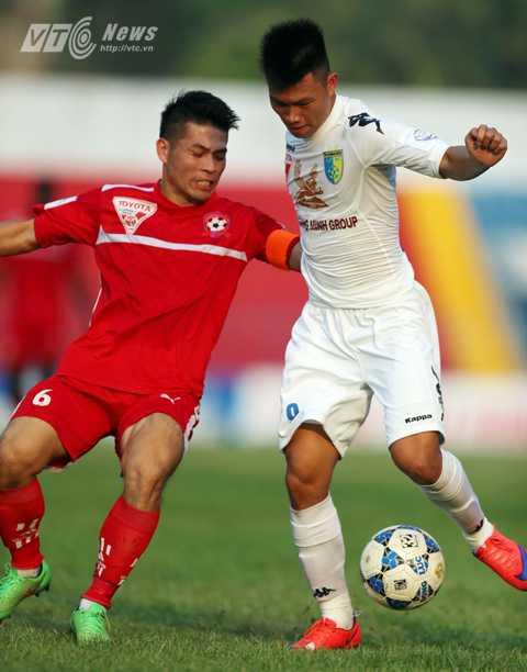 Minh Châu không thể thi đấu tiếp vì chấn thương (Ảnh: Quang Minh)