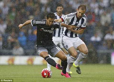 Hazard trong vòng vây hậu vệ West Brom