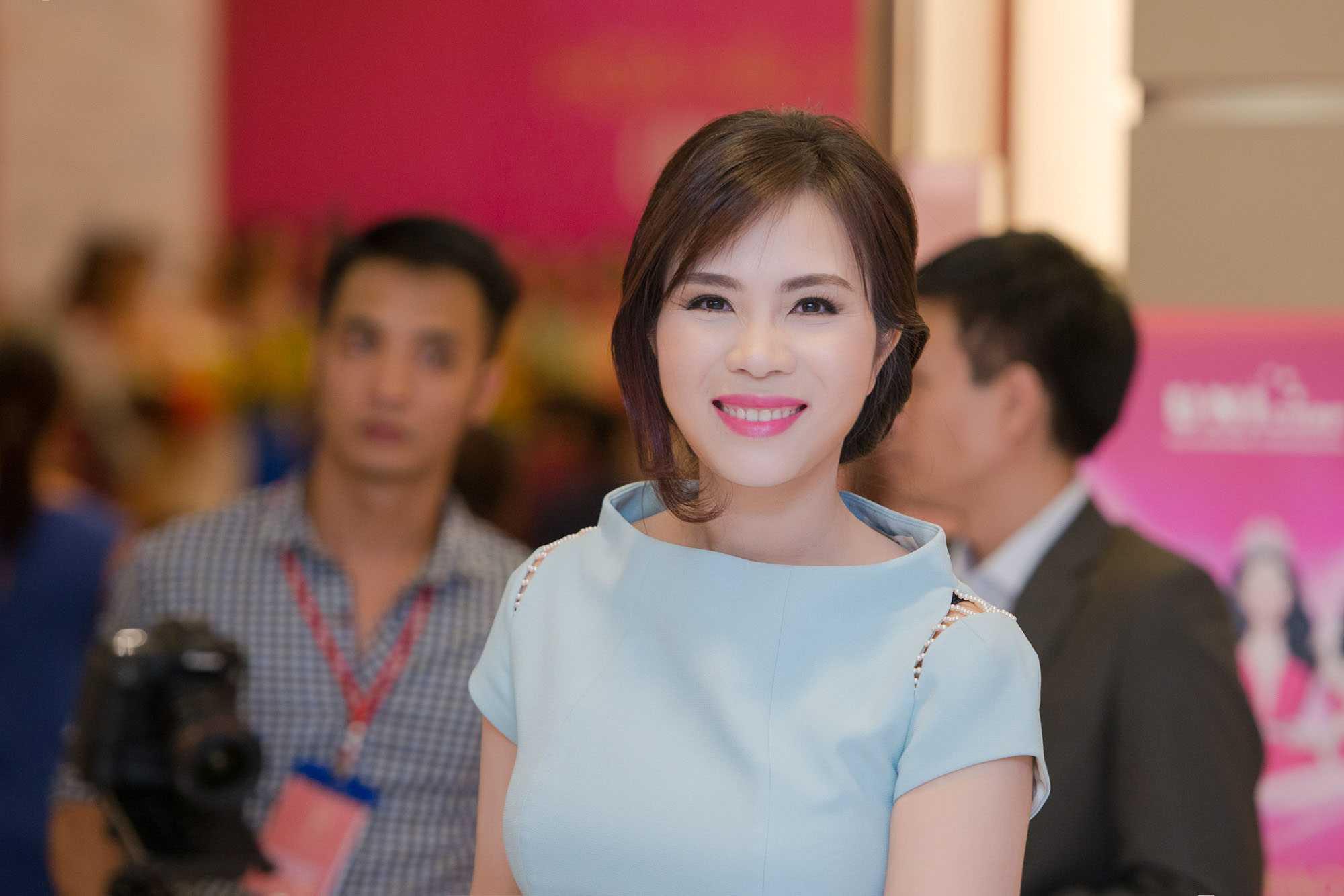 Giám khảo của Fashion Star - Bà Lưu Nga - người có trình độ và sự am hiểu về thời trang đã được mời vào vị trí Cố vấn thời trang cho các thí sinh cuộc thi Hoa Hậu Hoàn Vũ 2015.