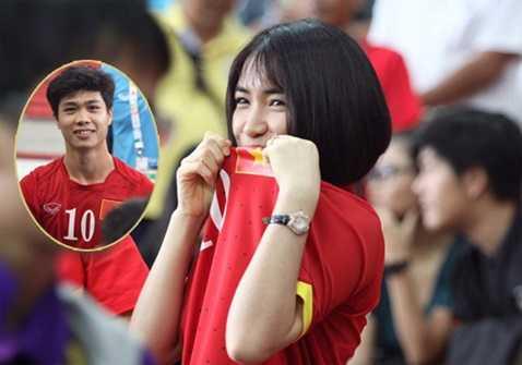 Hòa Minzy tới Singapore cổ vũ Công Phượng và U23 Việt Nam