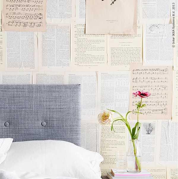 Còn những trang sách được sử dụng thành một loại giấy dán tường độc đáo.
