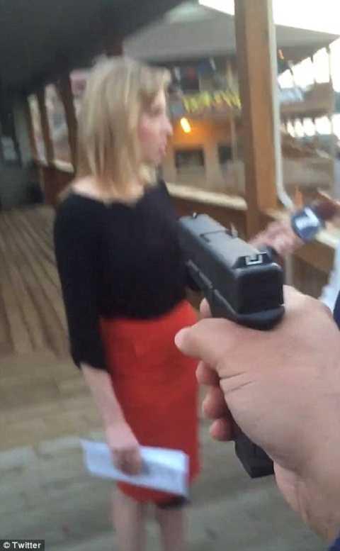 Nghi phạm chĩa súng về phía nữ phóng viên đài WDBJ
