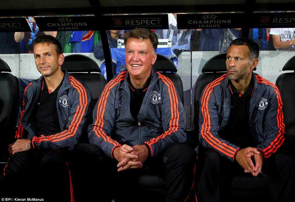 Ai là mục tiêu tiếp theo của Van Gaal?