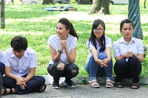 Trong hoạt động xã hội của chương trình VNTM vừa diễn ra, vị chủ khảo Thanh Hằng đã xuất hiện với hình ảnh đời thường rất gần gũi và giản dị.