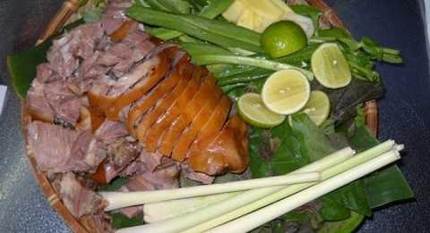 Thịt chó bệnh có thể khiến người ngộ độc thực phẩm bị nhiễm vi khuẩn, virus khiến ngộ độc.