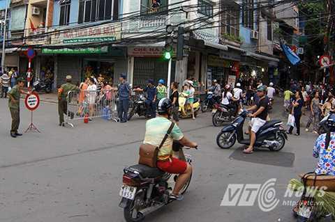 Bắt đầu từ 17 giờ, phố Lê Hồng Phong (Ba Đình, Hà Nội) bị cấm.