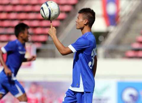 Tiền vệ Quang Hải không xuất phát trong đội hình chính(Ảnh: Zing)