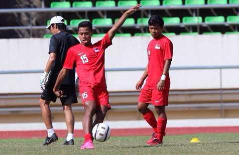 U19 Singapore được coi là đội bóng yếu nhất bảng B (Ảnh: Zing)